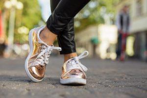 Metallic sneakers - sneaker trends